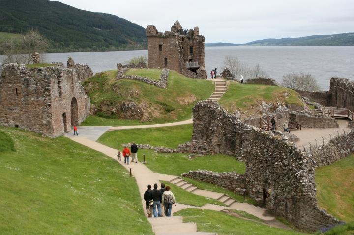 Urquhart Castle, Scotland, travel, photography, travel photography, photos, images, Scottish, castles, scottish castles, castles in northern scotland, castles in scotland