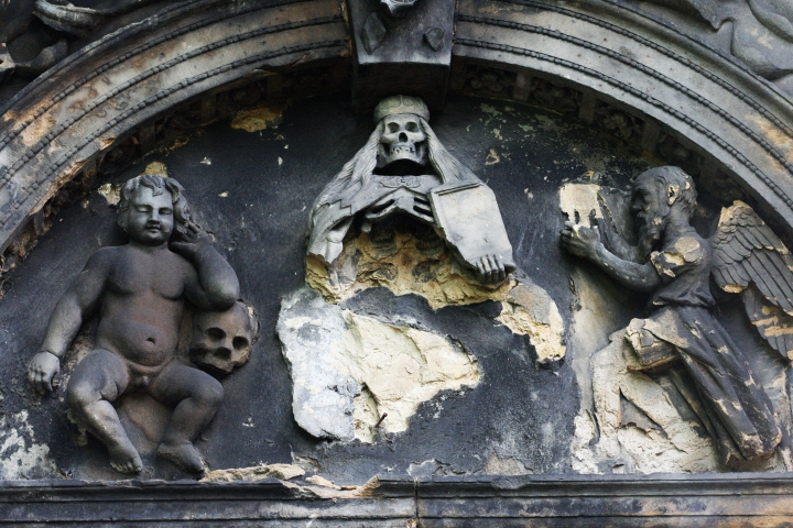 scariest places on earth, Edinburgh, Scotland, Greyfriars Kirkyard, Greyfriars Churchyard, Greyfriars Cemetery, Greyfriars Graveyard, travel