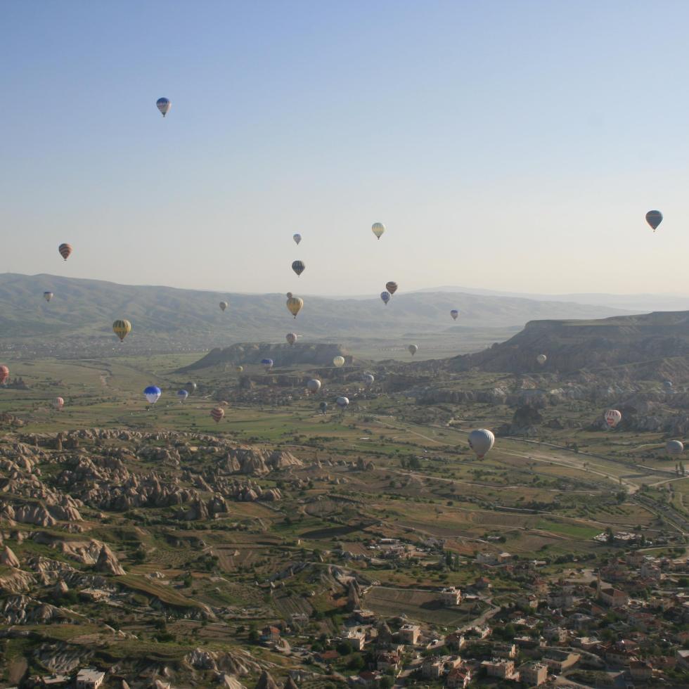 Cappadocia photography, cappadocia photos, cappadocia, cappadocia turkey, balloon, balloons, uchisar, travel photography