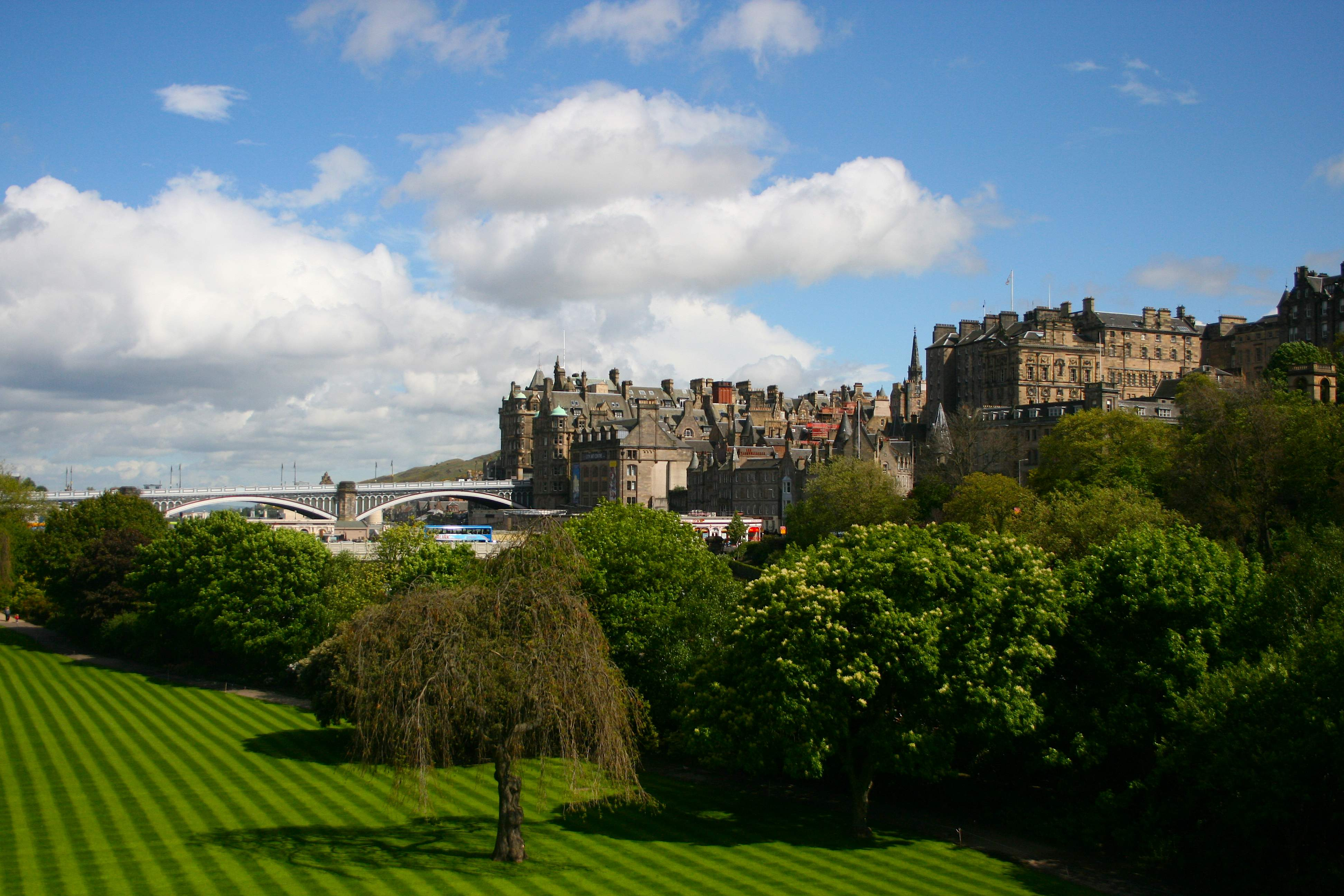 Edinburgh Castle in Edinburgh, Scotland | Expedia.ca |Edinburgh Vacation