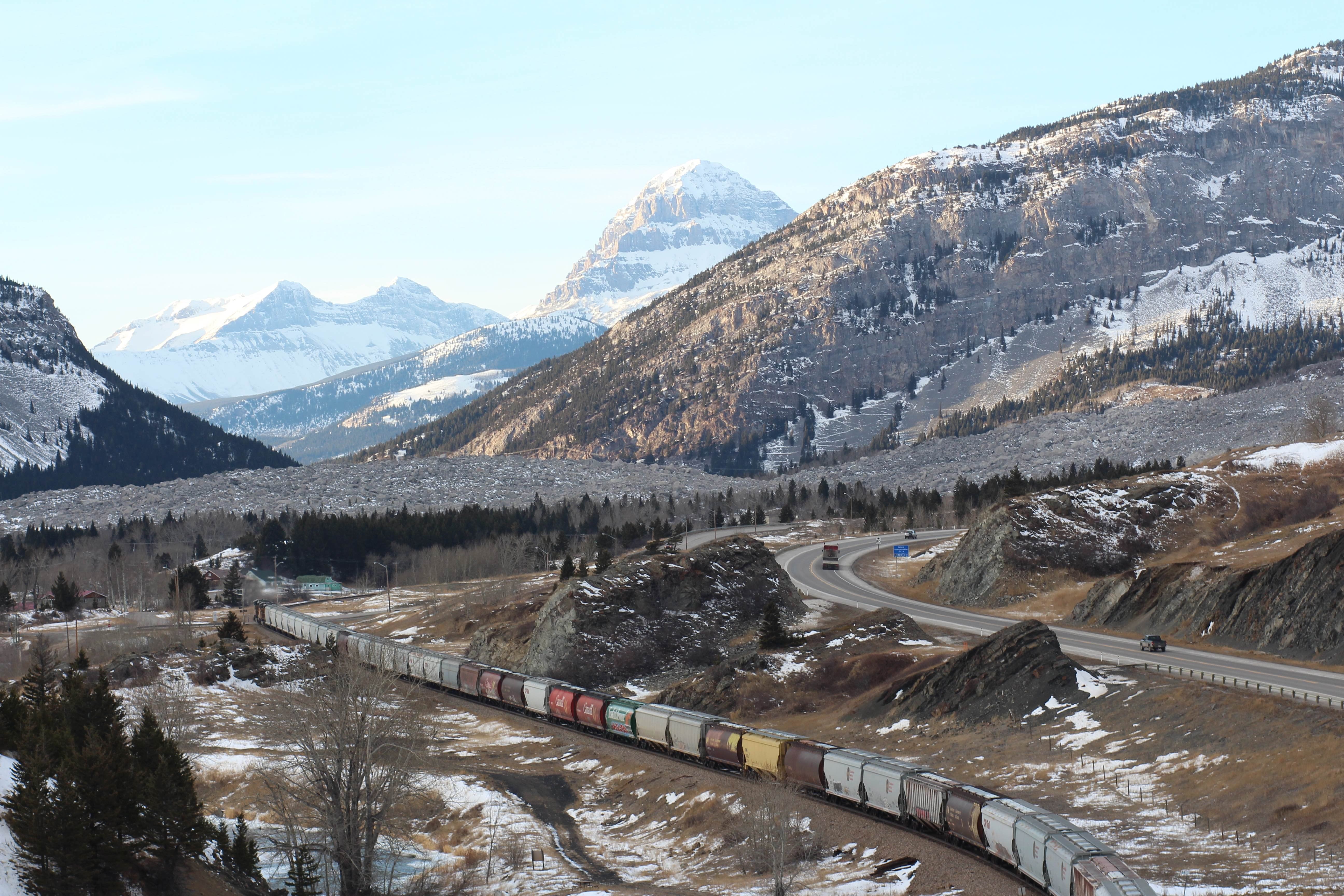 Visit Canada – CP Rail Through Crowsnest Pass, Alberta ...