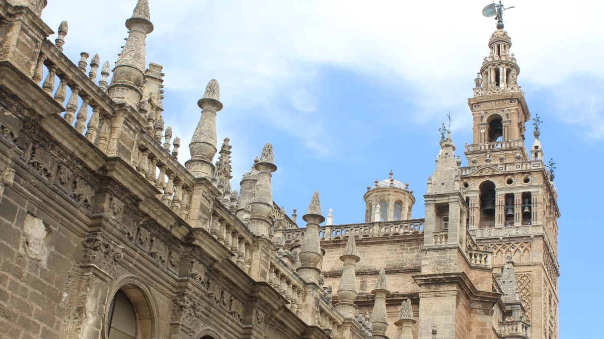 Seville Cathedral/La Giralda Bell Tower  Spain Tourism ...