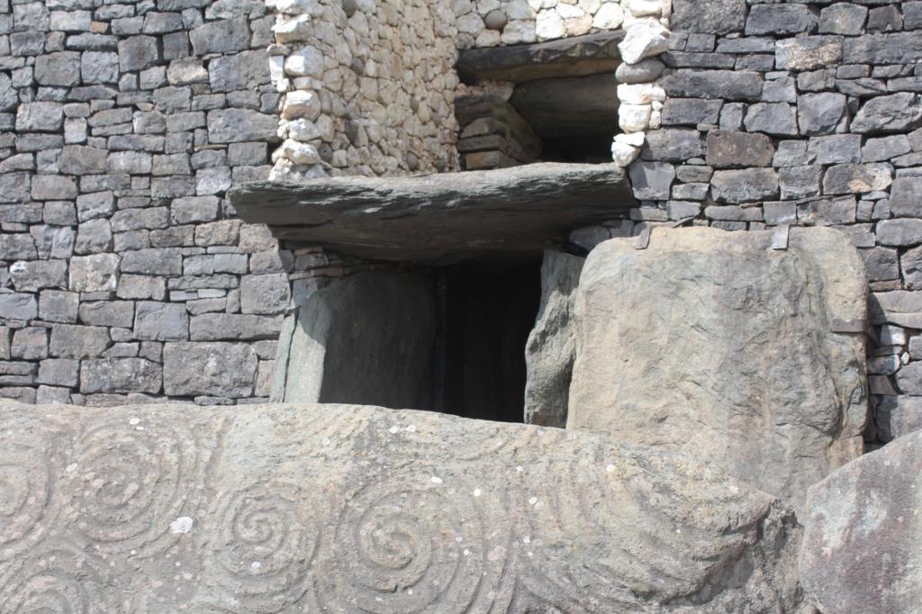 Newgrange, Ireland, Newgrange Ireland, Newgrange passage tomb
